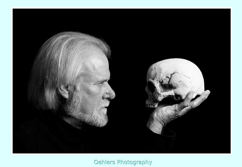 Hamlet addressing the skull of Yorick