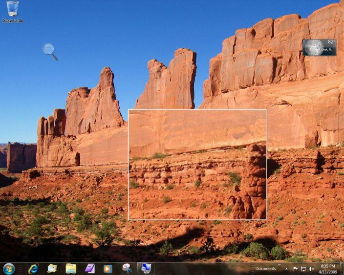 Windows 7 Magnifier in use on desktop