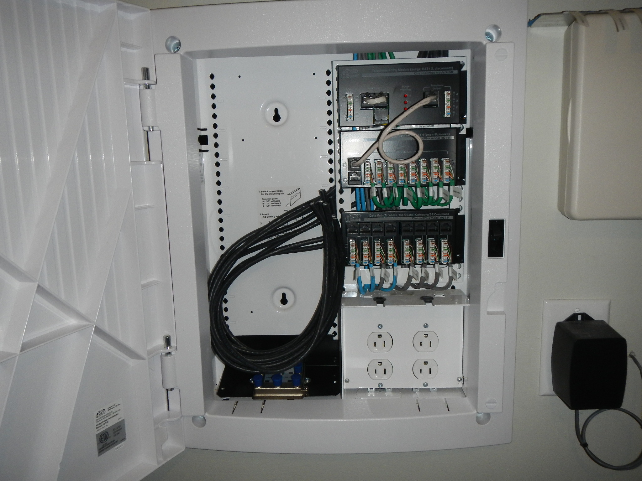 Home Structured Wiring Sys Requires 1gb 8 Port Router Or Switch W Technology 3 1 2 Deep Panel Embedded In Wall To Be