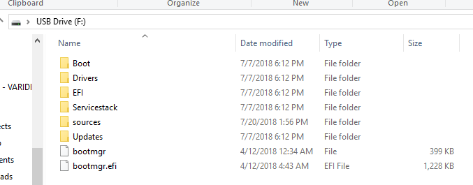 What's the Updates folder in Windows 10 install media?